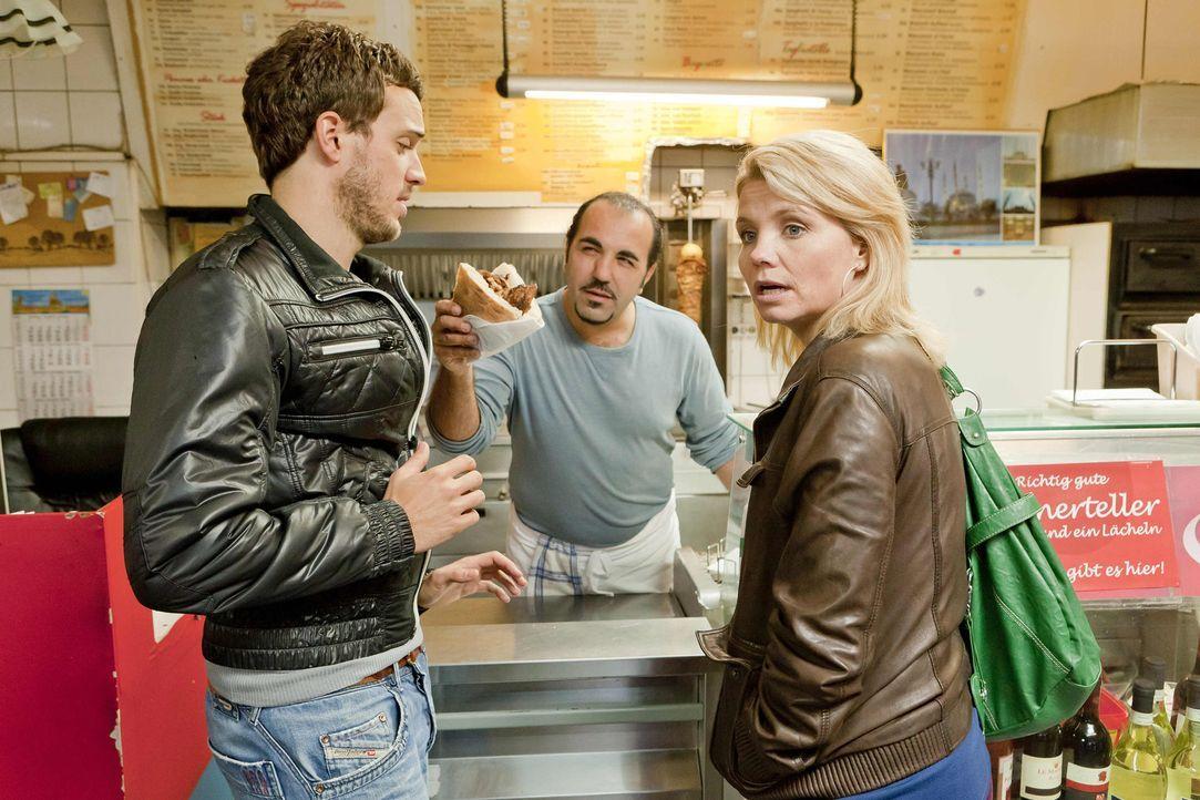 In Kurts Lieblingsdönerimbiss trifft Danni (Annette Frier, r.) auf Thorsten (Tobias van Dieken, l.), einen weiteren potentiellen Mandanten, der den... - Bildquelle: SAT.1