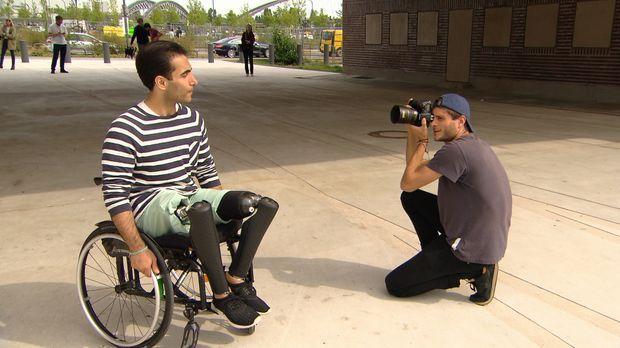 Yusuf (l.) wüncht es sich, einmal als Model über den Laufsteg gehen zu können...