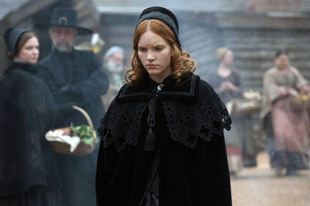 Während Anne (Tamzin Merchant) mit ihrer Liebe zu John hadert, erfährt Mary, dass ihr eigener Hexenzirkel sich gegen sie verbündet hat ... - Bildquelle: 2013-2014 Fox and its related entities.  All rights reserved.