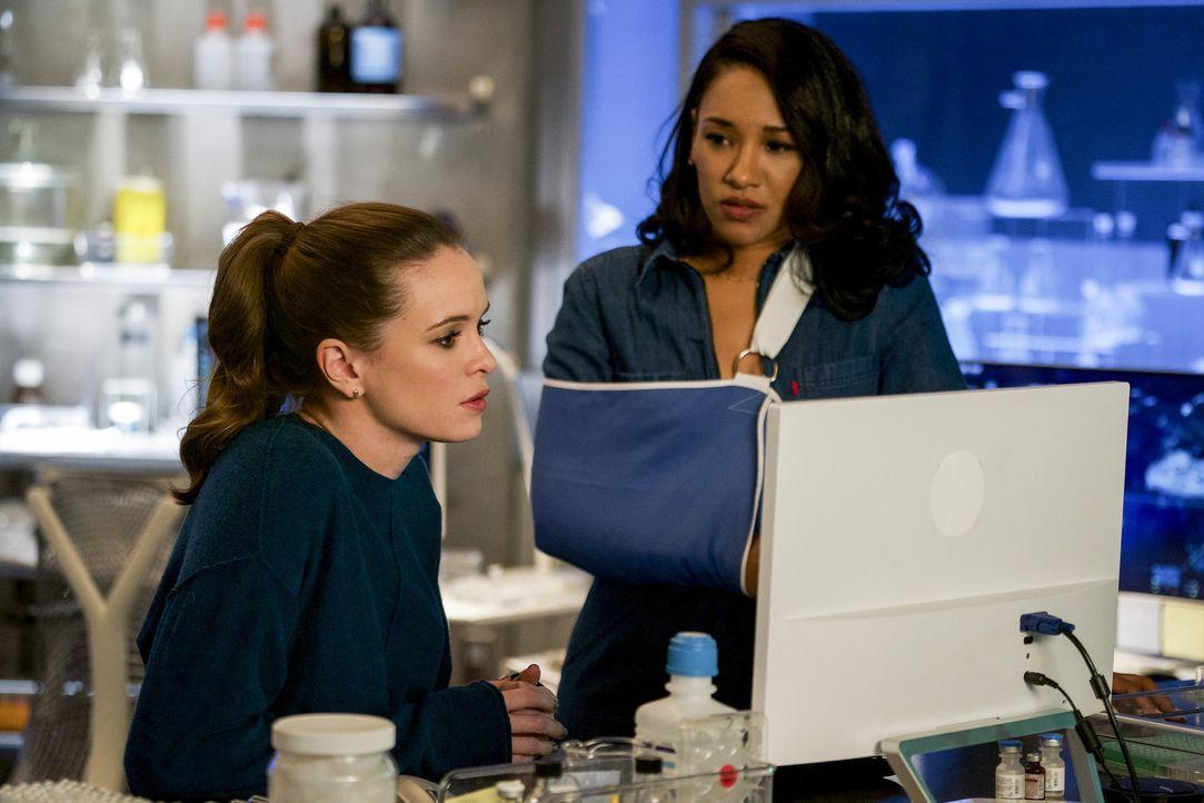 Caitlin (Danielle Panabaker, l.), Iris (Candice Patton, r.) und der Rest des Teams haben mit Ralphs Verlust zu kämpfen, während DeVoe bereits seinen... - Bildquelle: 2017 Warner Bros.