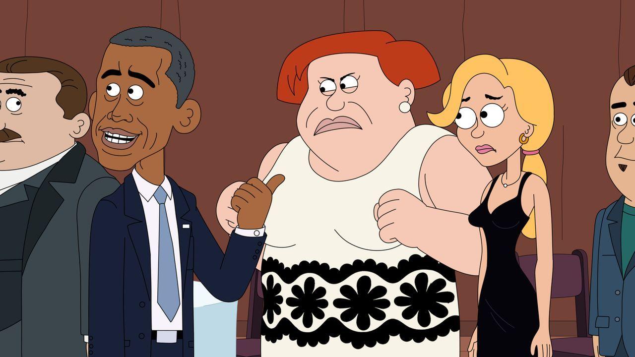 Hat Connie (M.) etwa recht und US-Präsident Barack Obama (l.) steht auf sie? Ethel (r.) kann es nicht glauben ... - Bildquelle: 2014 Twentieth Century Fox Film Corporation and Comedy Partners.  All rights reserved.