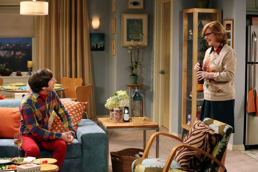 Howard (Simon Helberg, l.) steht ein Abendessen mit seiner Frau Bernadette und seinen Schwiegereltern (Meagen Fay, r.) bevor, während Sheldon alles... - Bildquelle: Warner Bros. Television
