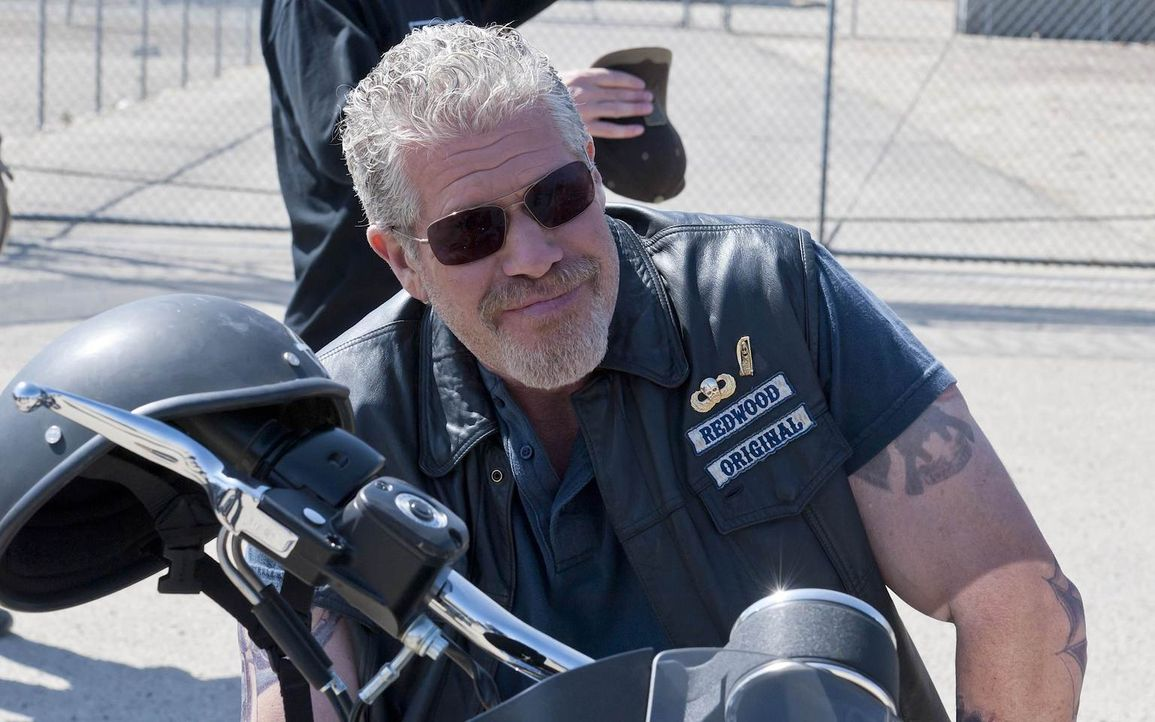 Clay (Ron Perlman) braucht dringend Geld, bevor es für ihn zu spät ist, welches zu beschaffen ... - Bildquelle: 2011 Twentieth Century Fox Film Corporation and Bluebush Productions, LLC. All rights reserved.
