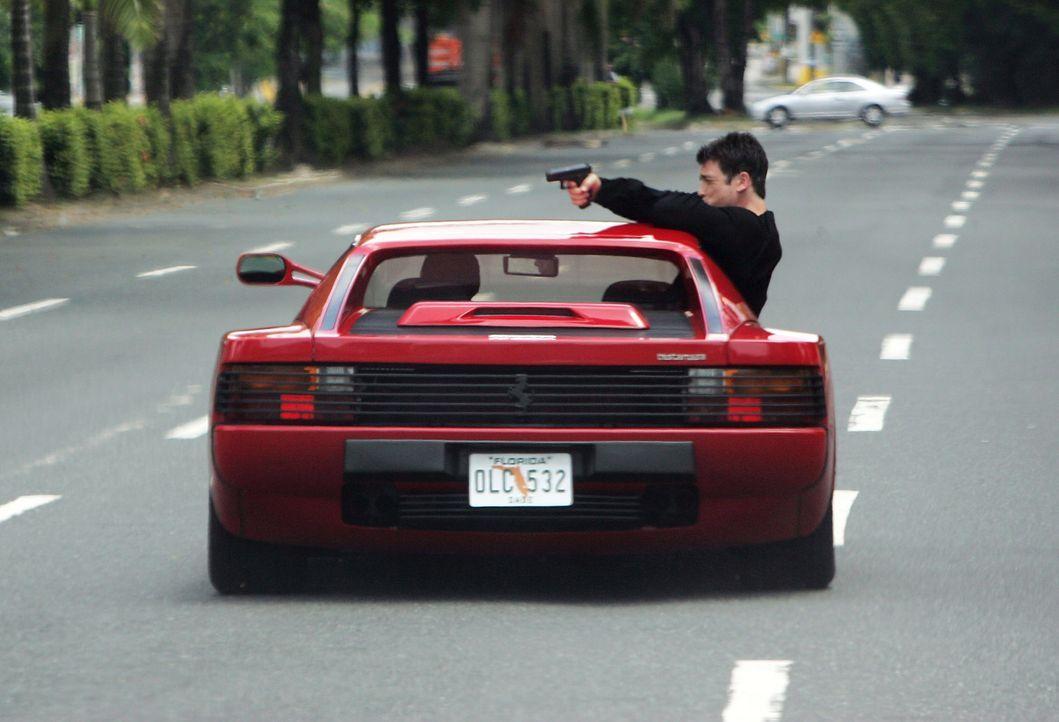 Hat seine Feinde immer im Visier: Chris Troiano (Jason Gedrick) ... - Bildquelle: Sony 2007 CPT Holdings, Inc.  All Rights Reserved.