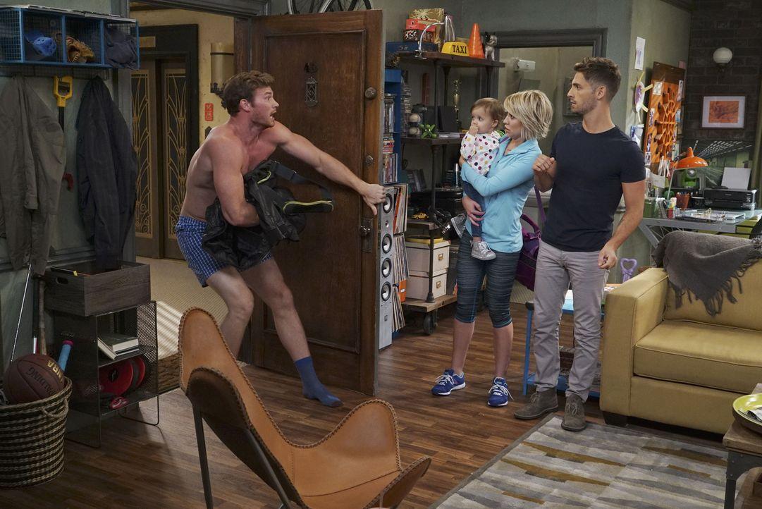 (v.l.n.r.) Danny (Derek Theler); Emma (Sura und Kayleigh Harris); Riley (Chelsea Kane); Ben (Jean-Luc Bilodeau) - Bildquelle: Eric McCandless ABC Family