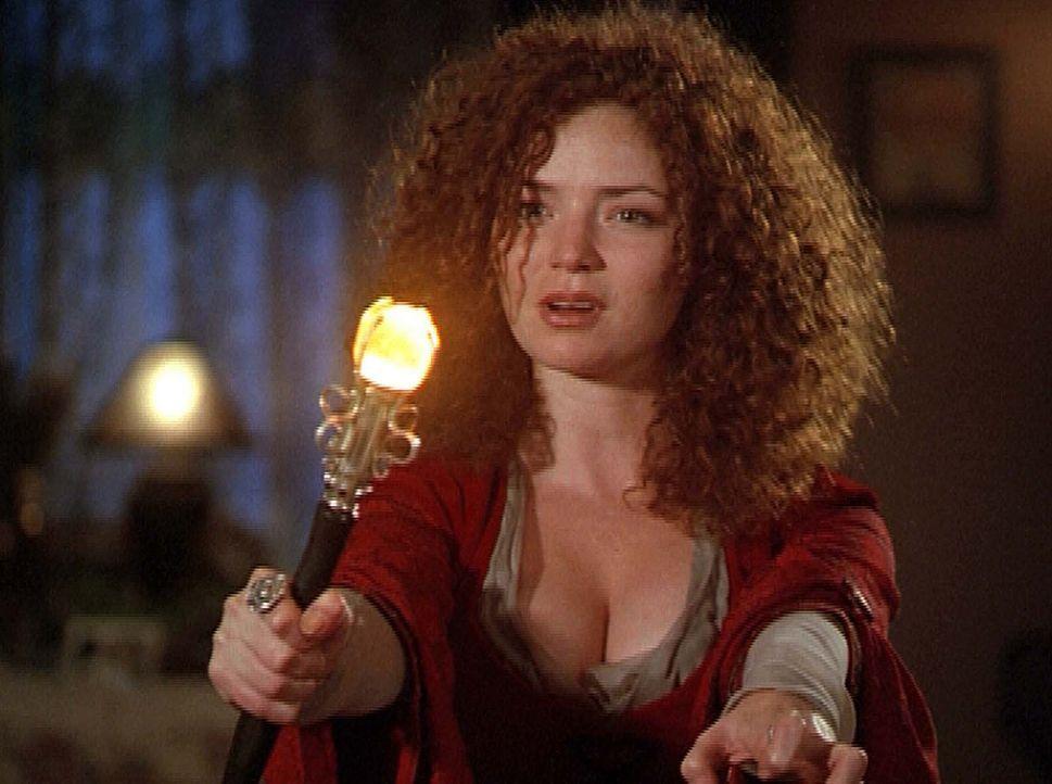 Dank ihres Zauberstabs ist die böse Hexe Tuatha (Birgid Brannagh) unbesiegbar. - Bildquelle: Paramount Pictures