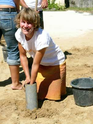 Britt auf der Langnese Sandworld - Bildquelle: Sat1