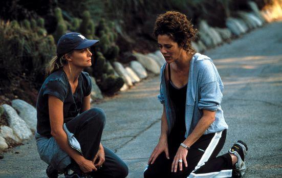 An Deiner Seite - Die Ehe von Katie (Michelle Pfeiffer, l.) und Ben Jordan st...