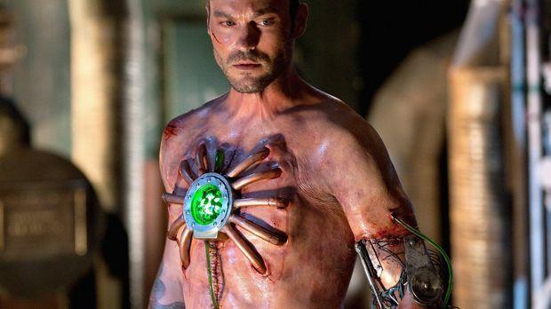 Nach einem schrecklichen Unfall erwacht John (Brian Austin Green) mit einem H...