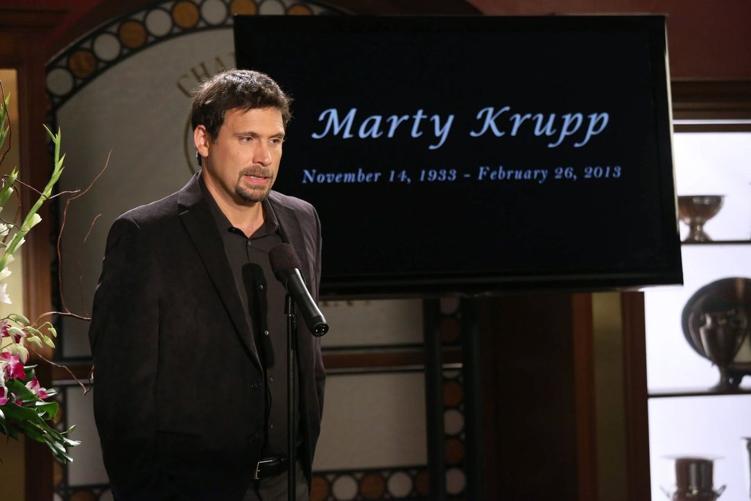 Nach Matys Tod organisieren George (Jeremy Sisto) und Noah eine angemessene Trauerfeier für ihn ... - Bildquelle: Warner Brothers