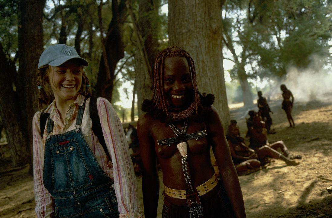 Trifft auf ihrer gefährlichen Mission immer wieder auf großartige Menschen: die 14-jährige Grace (Camille Summers, l.) ... - Bildquelle: Gaumont