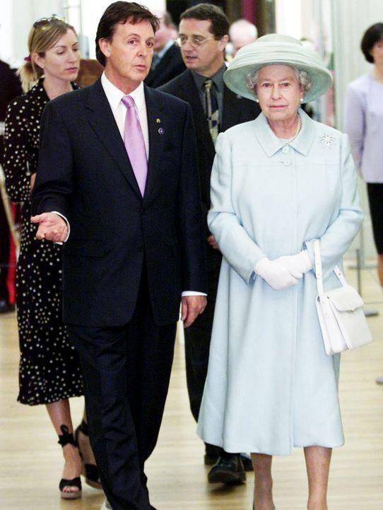 Sir-Paul-McCartney-Queen-Elizabeth-02-07-25-AFP - Bildquelle: AFP