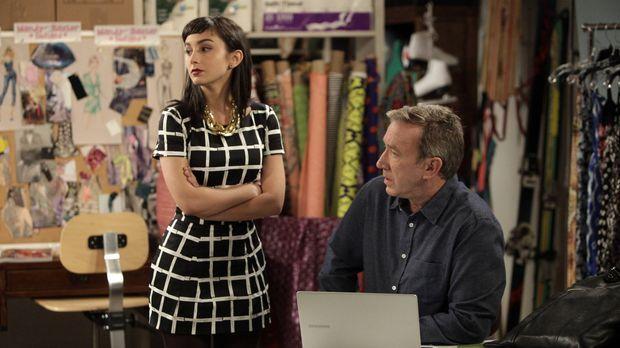 Mike (Tim Allen, r.) gibt Mandy (Molly Ephraim, l.) Ratschläge für ihre Onlin...