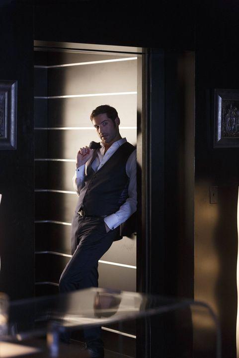 Lucifer (Tom Ellis) denkt sich eine ganz besondere Bestrafung für seine Mutter aus ... - Bildquelle: 2016 Warner Brothers