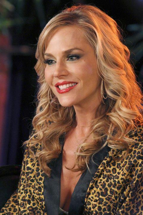 Gabrielle versucht alles, damit Ana nicht an Sex mit Danny denkt, während Susan sich mit Stripperin Robin (Julie Benz) anfreundet ... - Bildquelle: ABC Studios