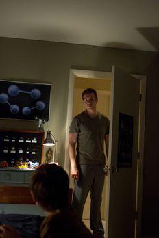 Homeland - Nicholas Brody (Damian Lewis, r.) versucht alles, um Chris (Jackso...