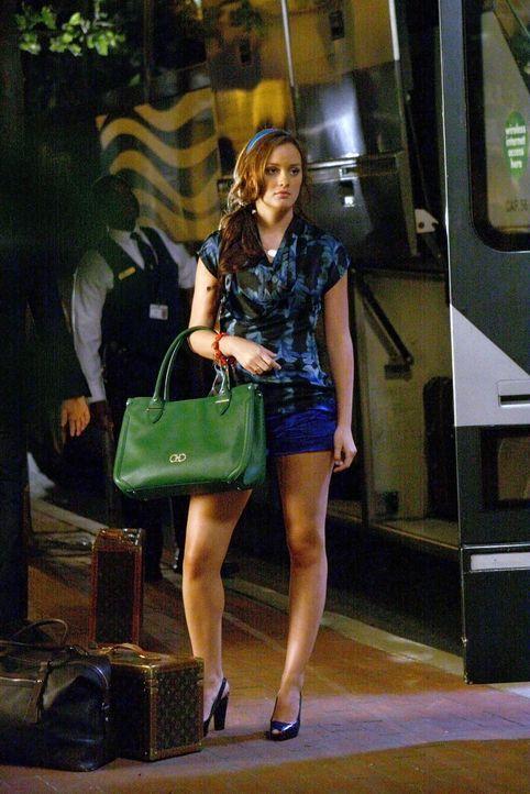 Willkommen Zuhause: Blair (Leighton Meester) hat den Sommer über bei ihrem Vater in Europa verbracht. Nun kommt sie zum Sommerabschlussfest zu ihren... - Bildquelle: Warner Brothers