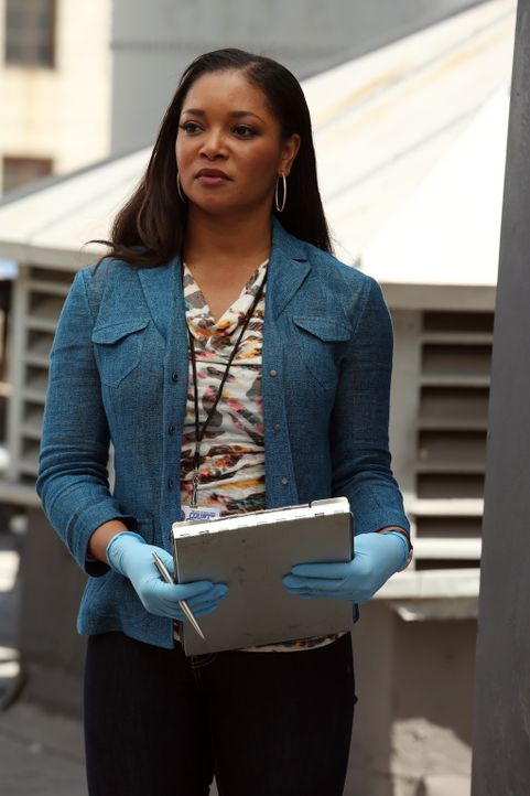 Im Wassertank eines runtergekommenen Hotels wird die Leiche der Studentin Erika Albrook gefunden. Lanie Parish (Tamala Jones) versucht herauszufinde... - Bildquelle: ABC Studios