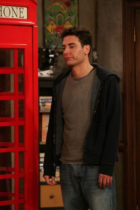 Ted (Josh Radnor) hat den Eindruck, dass Lily sich in der Wohnung breit macht, um ihn raus zu drängen ... - Bildquelle: 20th Century Fox International Television