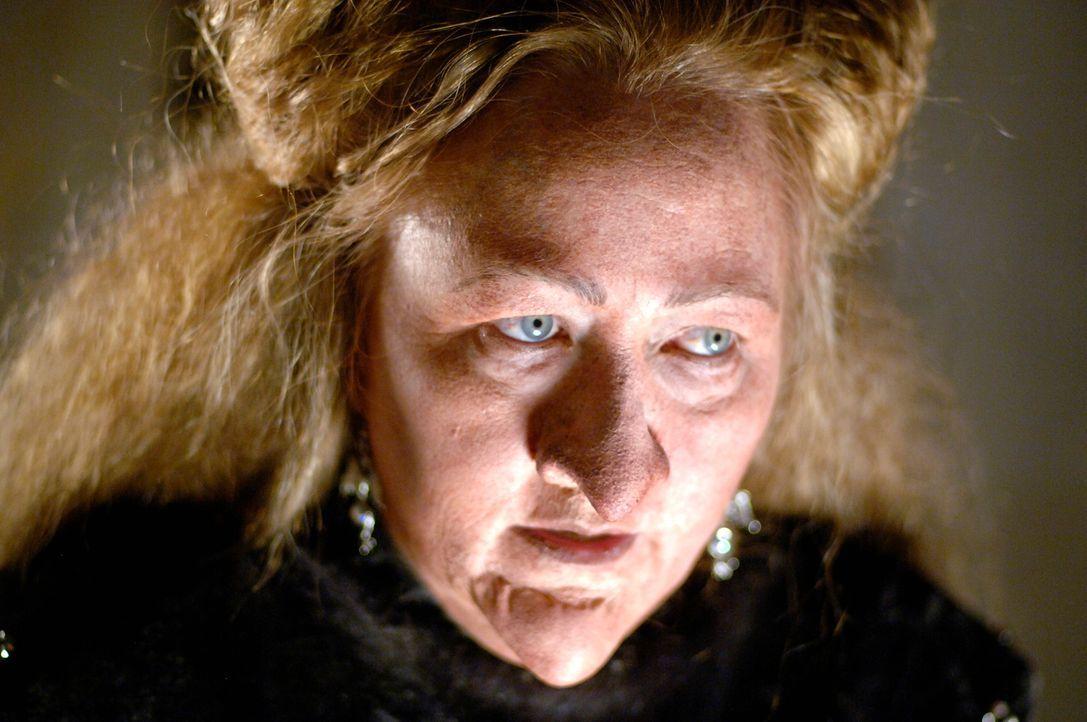 Hex, hex: Wrinkled Old Witch (Micaela Nelligan) ... - Bildquelle: Disney - ABC - ESPN Television