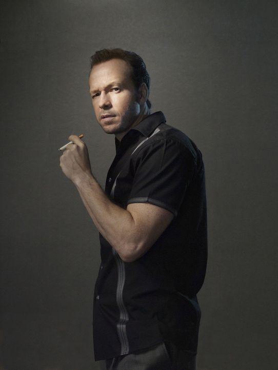Spielt ein falsches Spiel: FBI Agent Andy Burnett (Donnie Wahlberg) ... - Bildquelle: Sony 2007 CPT Holdings, Inc.  All Rights Reserved.