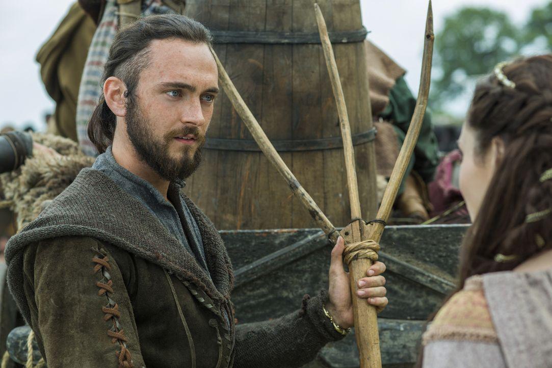 Kann Ragnar wirklich auf Athelstan (George Blagden) und seine Loyalität vertrauen? - Bildquelle: 2015 TM PRODUCTIONS LIMITED / T5 VIKINGS III PRODUCTIONS INC. ALL RIGHTS RESERVED.