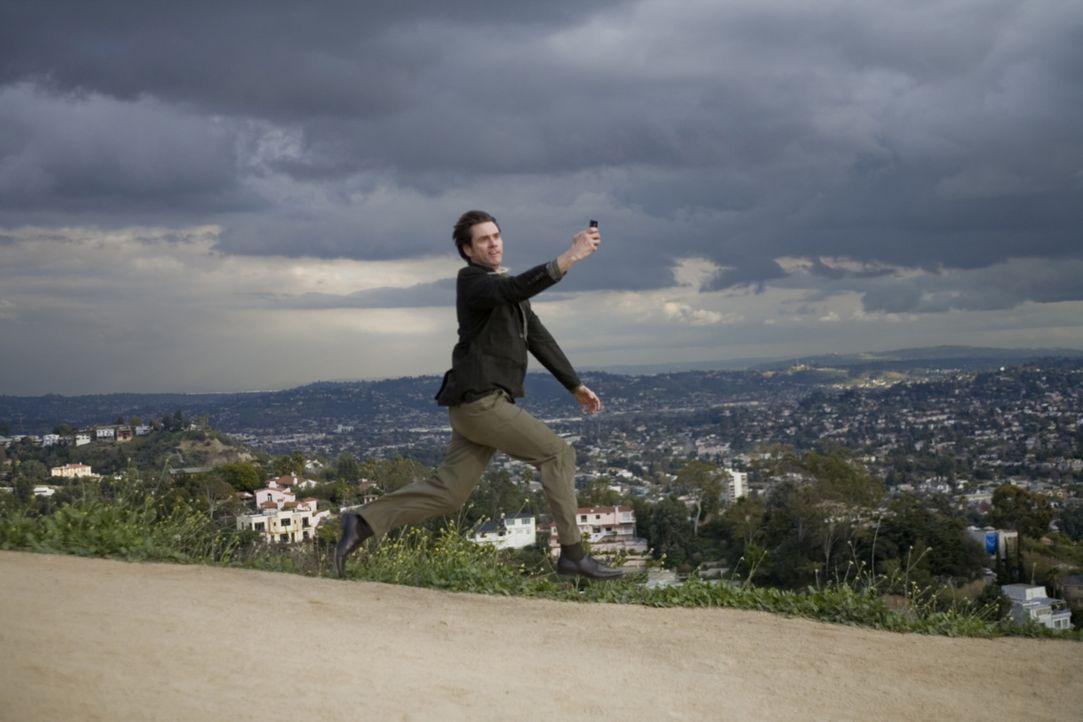 Ein Wort kann alles verändern: Carl Allen (Jim Carrey) ... - Bildquelle: Warner Bros.