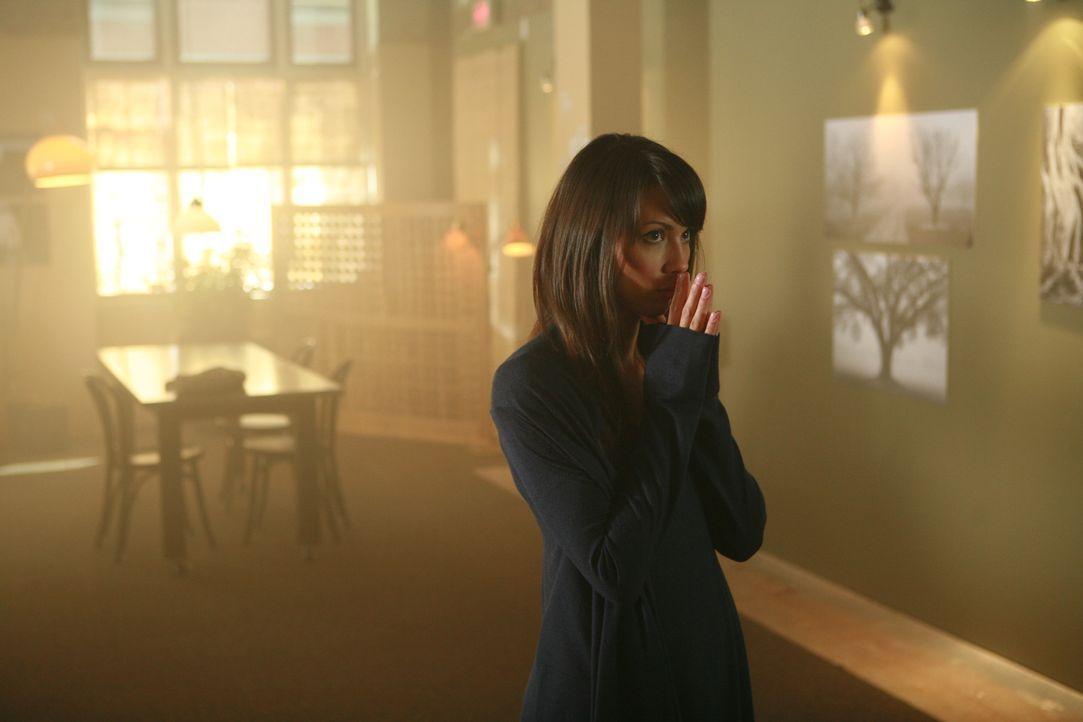 In ihrer Verzweiflung wendet sich die alptraumgeplagte Jenny (Lexa Doig) an ihren Vater Brad. Doch dieser weist sie in die psychiatrische Klinik von...