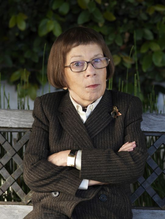 "(3. Staffel) - Leitung der Naval Criminal Investigative Service Einheit: Henrietta ""Hetty"" Lange (Linda Hunt) ... - Bildquelle: CBS Studios Inc. All Rights Reserved."