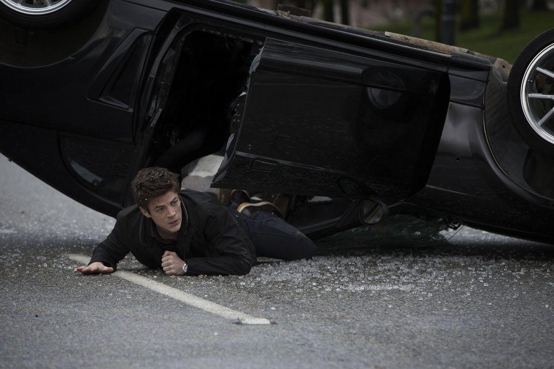 Durch einen Unfall in den STAR Labs, erhält der Wissenschaftler Barry Allen (Grant Gustin) Superkräfte und möchte damit die Welt vor dem Bösen schüt... - Bildquelle: Warner Brothers.