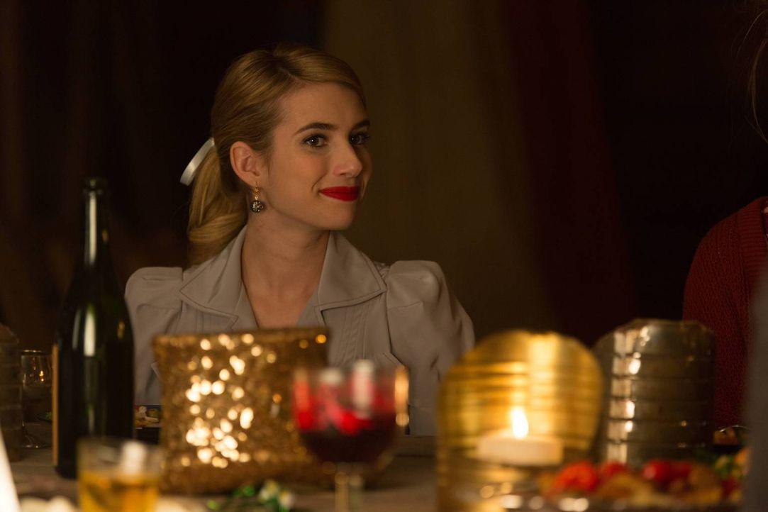 Maggie (Emma Roberts) versucht, das Vertrauen eines besonderen Freaks zurück zu gewinnen und meldet sich schließlich für einen angeblichen Zaubertri... - Bildquelle: 2014-2015 Fox and its related entities. All rights reserved.