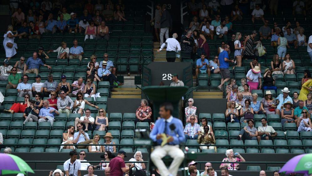 Wimbledon: Viele Zuschauersitze blieben leer - Bildquelle: AFPSIDOli SCARFF
