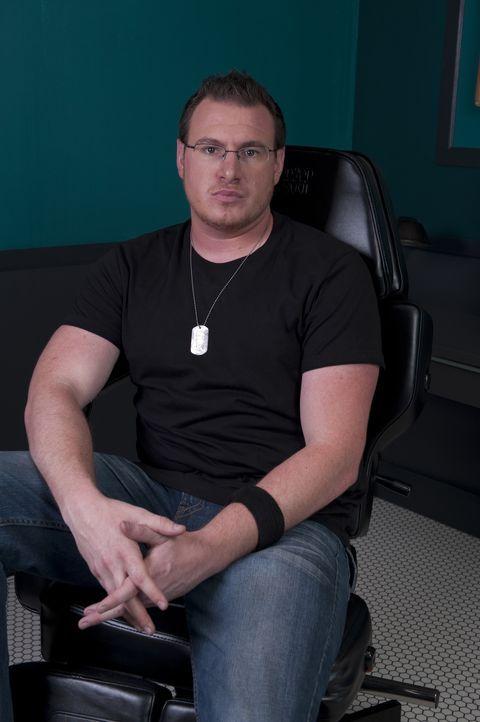 """(3. Staffel) - Der selbstsichere Ex-Soldat Thomas """"TJ"""" Halvorsen hat seine Künstler-Karriere mit dem Zeichnen von Comics begonnen und sich vor 7 Jah... - Bildquelle: Fernando Leon Spike TV"""