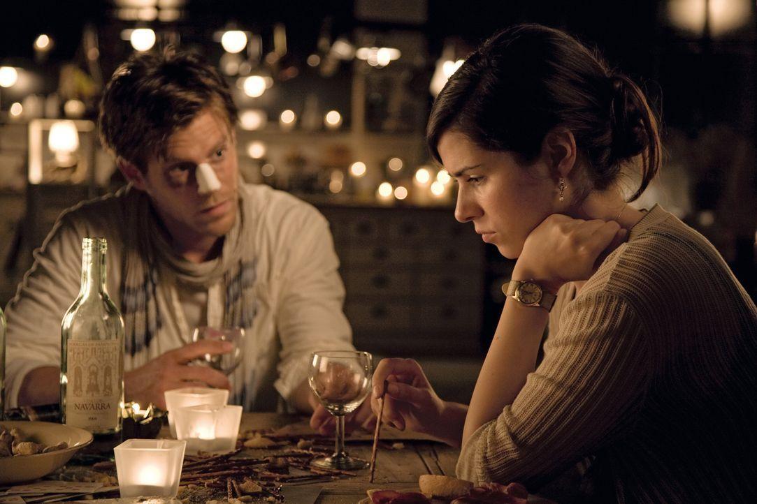 Zwei Jahre sind vergangen seit sich Ludo und Anna (Nora Tschirner, r.) verliebt haben. Jetzt ist der Alltag da und auch alles Unschöne. Als dann au... - Bildquelle: 2009 Warner Bros. Entertainment
