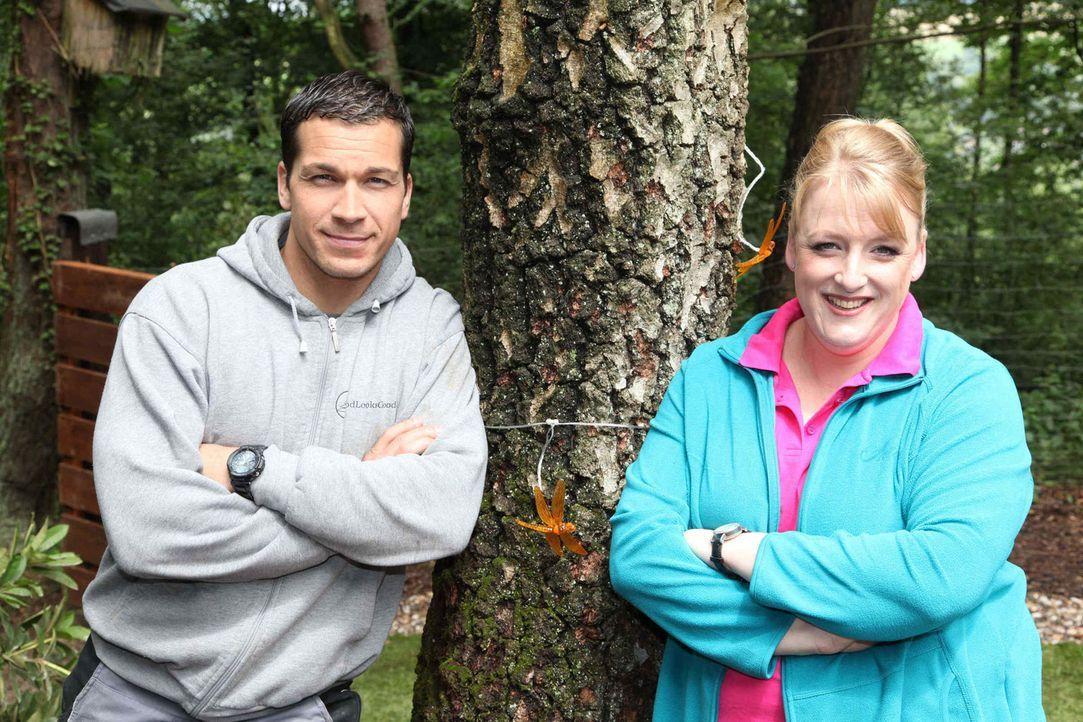 Andrea Göpel (r.) und Michael (l.) machen aus verwahrlosten Gärten wahre Wohlfühloasen. - Bildquelle: SAT.1