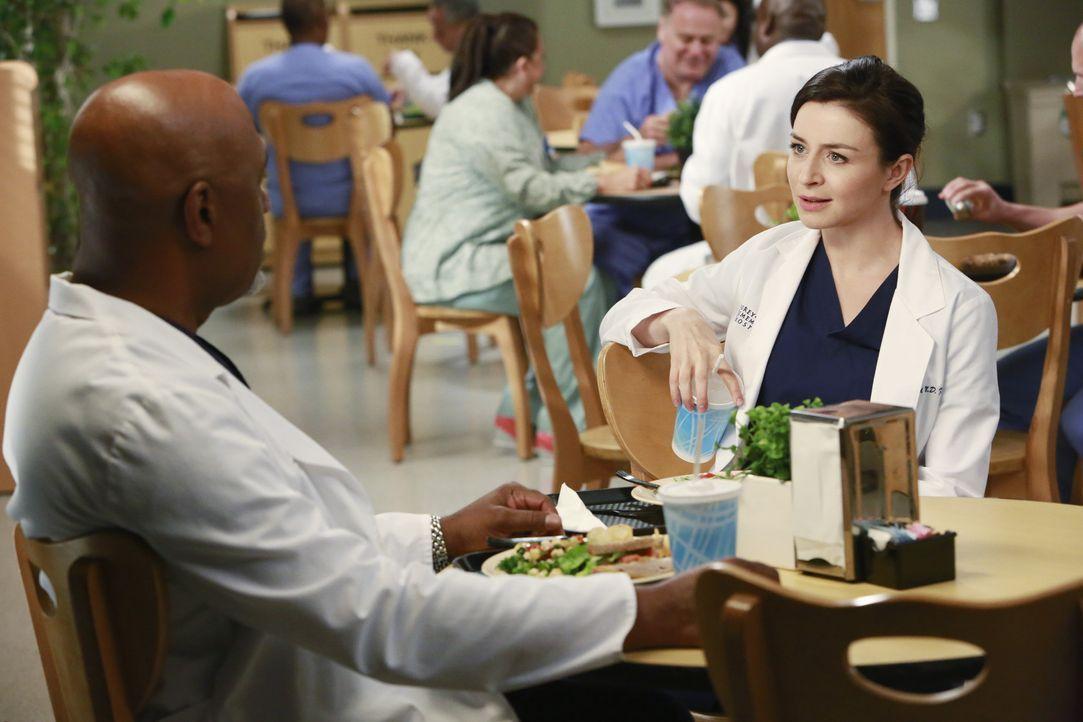 Richards (James Pickens Jr., l.) Geheimnis scheint in Amelias (Caterina Scorsone, r.) Händen gut aufgehoben zu sein ... - Bildquelle: ABC Studios