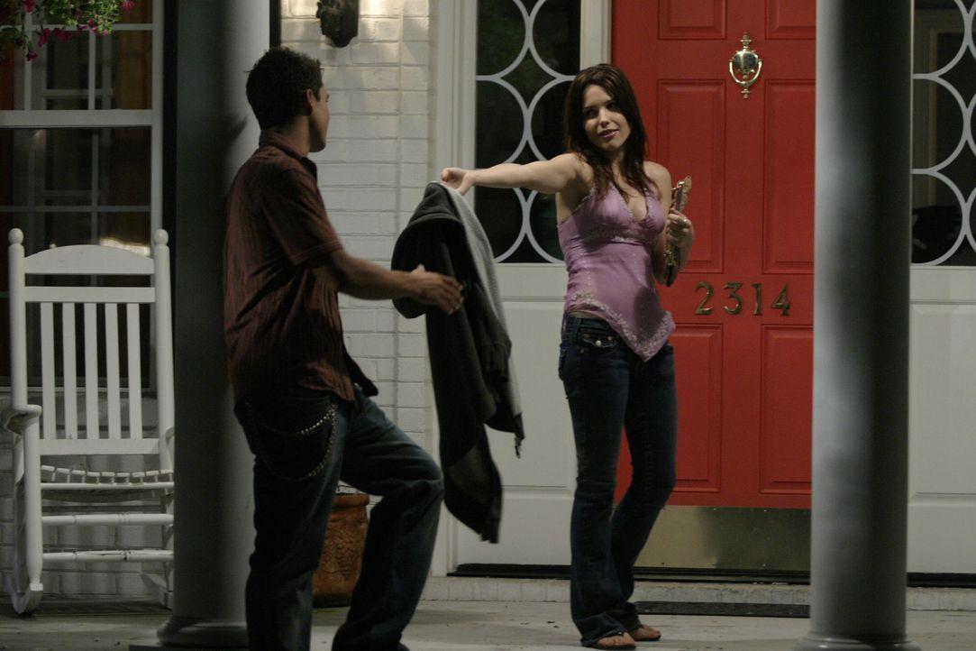 Die anfängliche Abneigung füreinander ist verflogen. Brooke (Sophia Bush, r.) und Felix (Micheal Copon, l.) finden sich immer sympathischer ... - Bildquelle: Warner Bros. Pictures