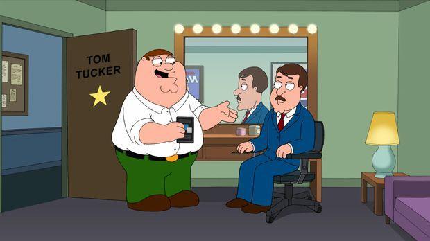 Als Peter (l.) erfährt, dass Tom Tucker (r.) in seinem Lieblingsfilm unter fa...