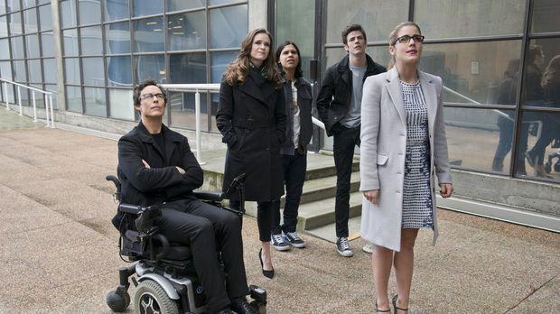 Dr. Wells (Tom Cavanagh, l.), Caitlin (Danielle Panabaker, 2.v.l.), Cisco (Ca...