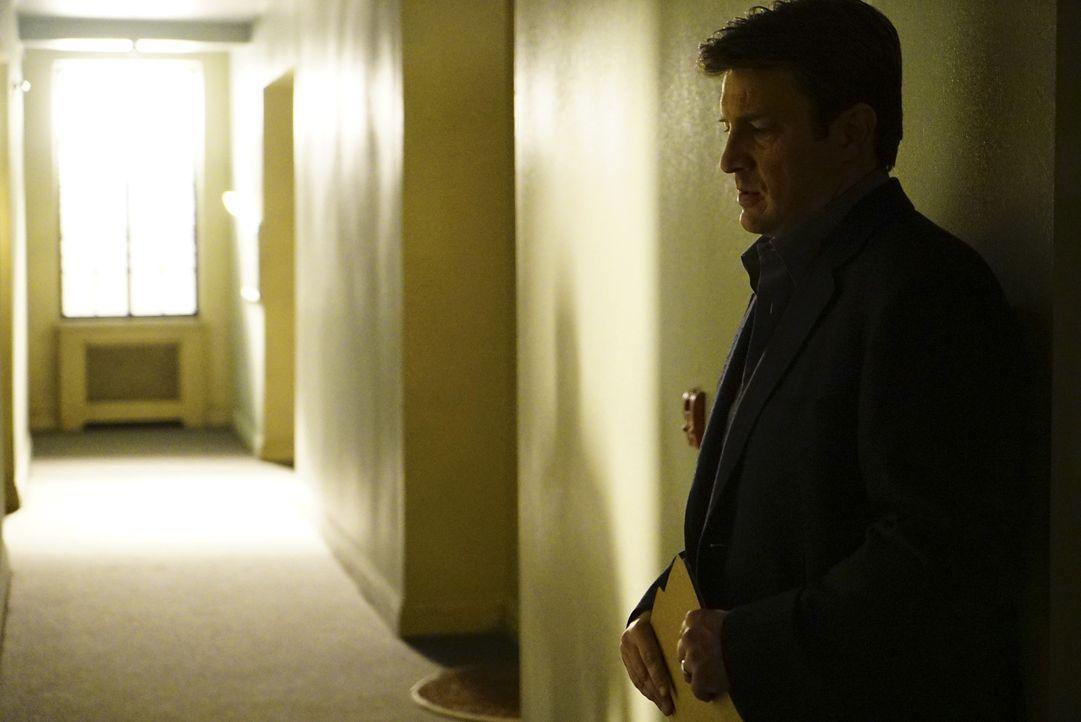 Castle (Nathan Fillion) ist nach den Erkenntnissen seines Traums völlig überfordert ... - Bildquelle: Richard Cartwright ABC Studios