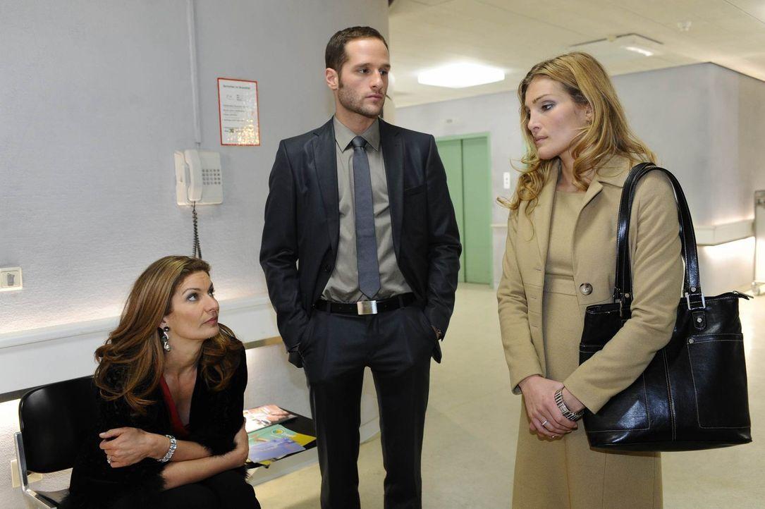 Annett (Tanja Wenzel, r.) ist kurz davor, sich mit David (Lee Rychter, M.) zu überwerfen - zu groß ist ihre Befürchtung, er könne Richard eigenh... - Bildquelle: SAT.1