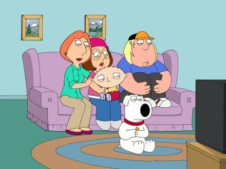 Family Guy - Familie Griffin sieht sich gemeinsam die Nachrichten an, in dene...