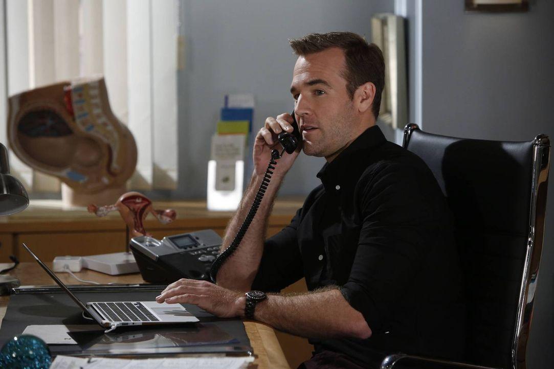 Noch ahnt Will (James Van Der Beek) nicht, als was sich sein Date noch herausstellen wird ... - Bildquelle: 2013 CBS Broadcasting, Inc. All Rights Reserved.