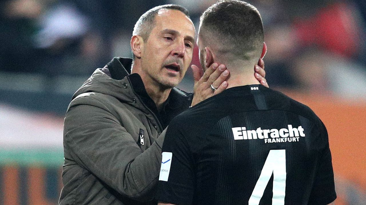 Trainer Hütter ist stets die Ruhe selbst - Bildquelle: 2018 Getty Images