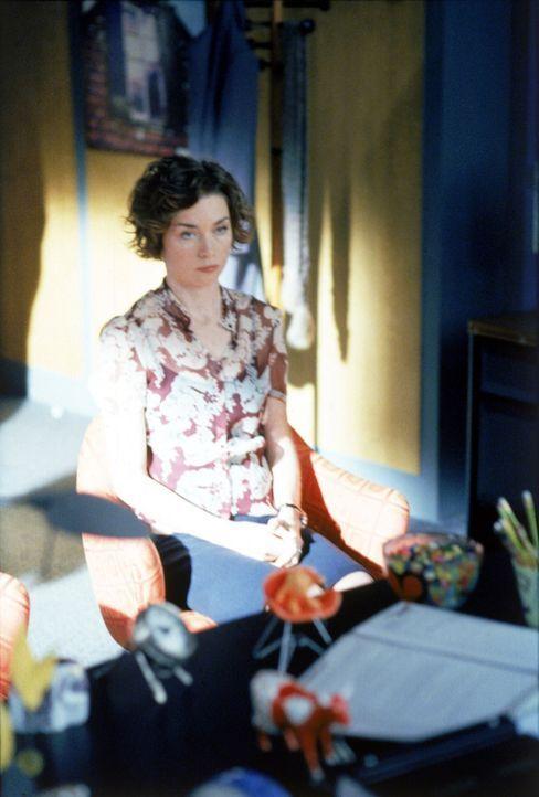 Durch die schlechte finanzielle Lage ist Ally gezwungen, Leute zu entlassen. Wird die Entlassung von Jenny (Julianne Nicholson) weitreichende Folgen... - Bildquelle: 2002 Twentieth Century Fox Film Corporation. All rights reserved.