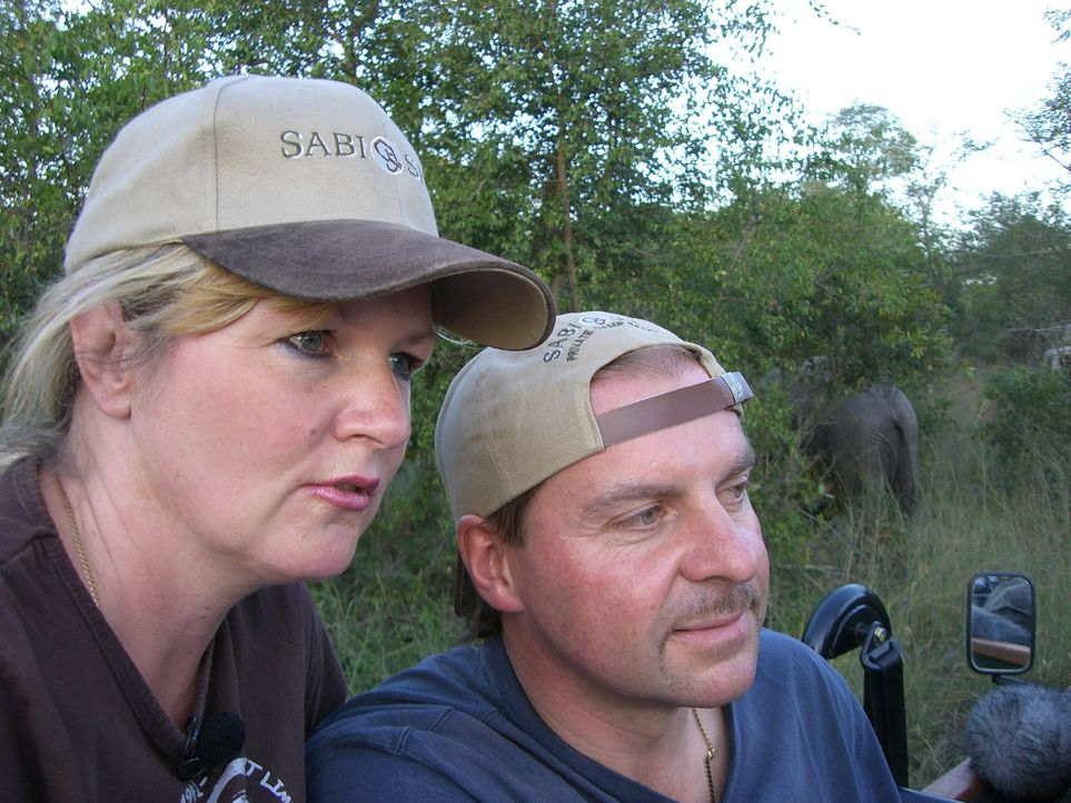 Der 45jährige Tischlermeister Jochen Rangno ist vor knapp 12 Jahren zusammen mit seiner Frau Brigitta (44) von Kiel nach Südafrika ausgewandert. - Bildquelle: kabel eins