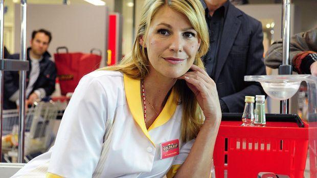 Claudia (Sophie Schütt) begegnet an der Kasse nach Jahren ihrer Schulliebe Ma...