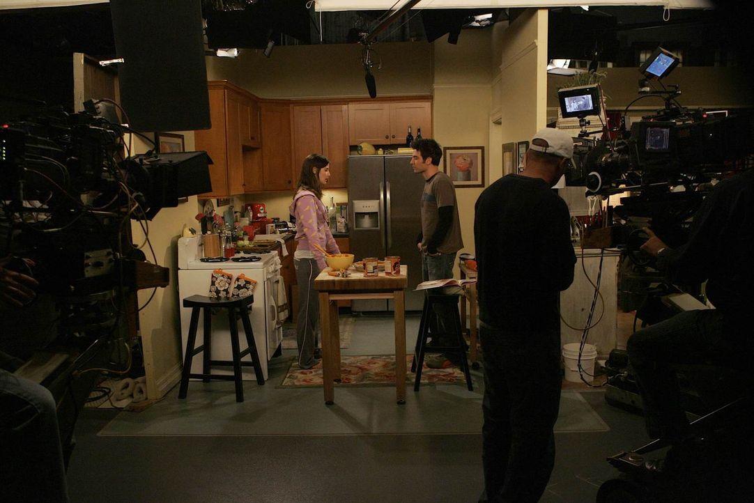 """Bei den Dreharbeiten zu """"How I met your mother"""" ... - Bildquelle: 20th Century Fox International Television"""