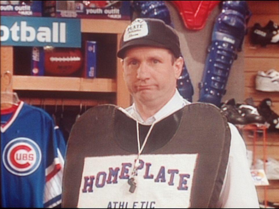 Kaum im Ruhestand, muss Al (Ed O'Neill) wieder einen Job annehmen - als Schuhverkäufer. - Bildquelle: Columbia Pictures