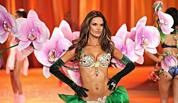 Alessandra Ambrosio Victoria's Secret Fashion Show - Bildquelle: AFP